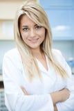 Уверенно женский доктор стоковые изображения
