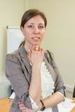 Уверенно руководитель женщины на офисе Стоковые Изображения RF