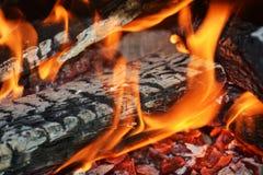 Увольняйте в действии, пламенах в печи, абстрактной предпосылке пламен Стоковые Фотографии RF