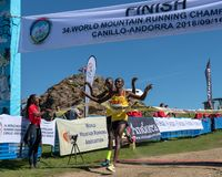 Уганда выигрывает гонку чемпионатов горы мира бежать стоковые фото