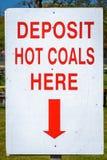Угли депозита горячие здесь подписывают Стоковая Фотография