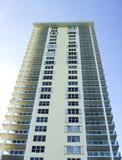 угловой желтый цвет взгляда здания Стоковое Фото