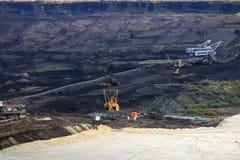 Угольная шахта с экскаваторами и машинным оборудованием Сербией стоковое изображение rf
