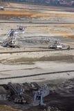 Угольная шахта с экскаваторами и машинным оборудованием Сербией стоковые фото