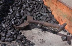 Уголь и лопаткоулавливатель стоковое изображение rf