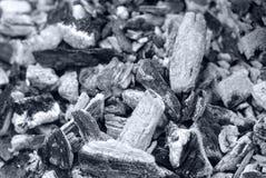 уголь Потухший огонь Справочная информация текстура черная белизна стоковая фотография rf