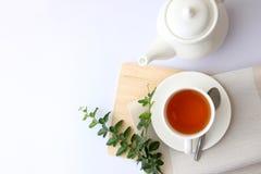 Угол белого чая стеклянный верхний стоковое изображение rf