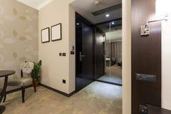 угол как выставка съемки комнаты интерьера гостиницы очень возможная к широко Стоковое фото RF