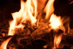 Угли горящего угля стоковые фотографии rf