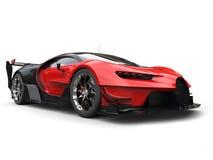 Угловая съемка мощной красной супер гонки автомобильная бесплатная иллюстрация