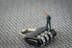 Удар безопасностью, безопасность для концепции дела, с миниатюрной смоквой Стоковая Фотография RF