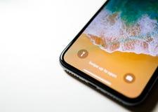 Удар до раскрывает самое последнее iPhone x 10 Стоковая Фотография RF