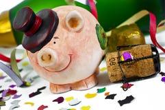 Удачливый талисман шарма с confetti, пробочкой, бутылкой шампанского счастливое Новый Год Новый Год кануна стоковое изображение