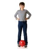 удерживание девушки шарика стоковые фотографии rf