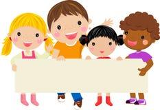 удерживание детей знамени счастливое Стоковое Изображение RF