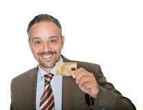 удерживание кредита crad бизнесмена счастливое Стоковое Изображение RF