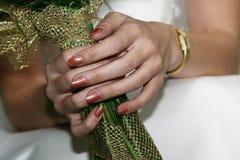 удерживание невесты букета Стоковые Изображения RF
