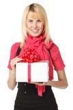 удерживание подарка коробки женское стоковое изображение rf