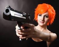 удерживание пушки девушки стоковые изображения rf