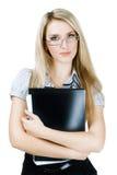 удерживание скоросшивателя кулачка дела смотря женщину Стоковые Фото