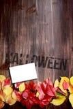 удерживания halloween даты принципиальной схемы календара жнец мрачного счастливого миниатюрный говорит положение косы Стоковые Изображения