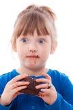 удивленная девушка шоколада торта пакостная Стоковое Фото