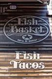 Удите логотип тележки еды бара рыб корзины передвижной Стоковая Фотография RF