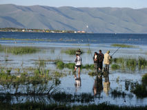 Удить на озере Sevan стоковая фотография
