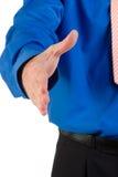 удлиняя человек рукопожатия Стоковые Фото