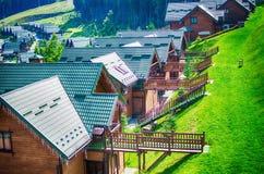 Удобные дома в прикарпатских горах Стоковые Фото