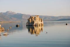 уединённый tufa башни Стоковые Фото