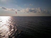 Уединённый windsurfer 2 Стоковое Фото