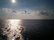 Уединённый windsurfer 1 Стоковые Изображения