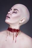 Ужасная страшная женщина зомби тыквы состава взгляда halloween черных волос съемка длинней сексуальная ся к женщине ведьмы Стоковое Фото