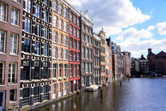 Узкая архитектура в Амстердаме Стоковое Фото