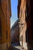 Узкая римская улица Стоковые Изображения RF