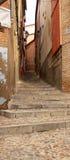 узкая старая улица Стоковые Изображения RF
