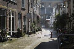 Узкая улица в Нидерланд Стоковая Фотография