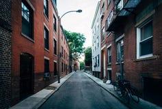 Узкая улица в северном конце Бостона, Массачусетса Стоковая Фотография RF