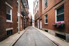 Узкая улица в северном конце Бостона, Массачусетса Стоковое фото RF