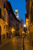 Узкая улица в Palma de Mallorca на ноче Стоковое Изображение