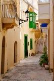 Узкая улица древнего города Рабата, Gozo Стоковая Фотография