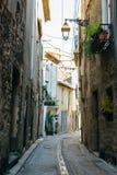 Узкие улицы Agde стоковые изображения rf