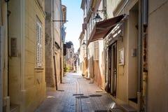 Узкие улочки городка St Tropez старого стоковое изображение rf