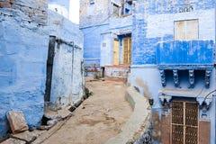 Узкие улочки Джодхпур стоковое изображение