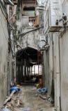 Узкие улицы каменного городка - главного города Занзибара, старой колониальной провинции Стоковая Фотография