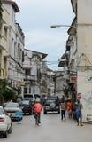 Узкие улицы каменного городка - главного города Занзибара, старой колониальной провинции Стоковое фото RF