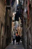 узкие улицы стоковые изображения