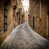 Узкий переулок в Caceres (Испания) Стоковое фото RF