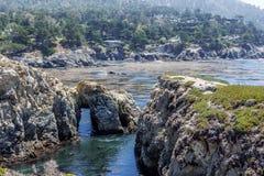 Укажите природный заповедник положения Lobos, с утесом, пещеры воды Стоковые Изображения RF